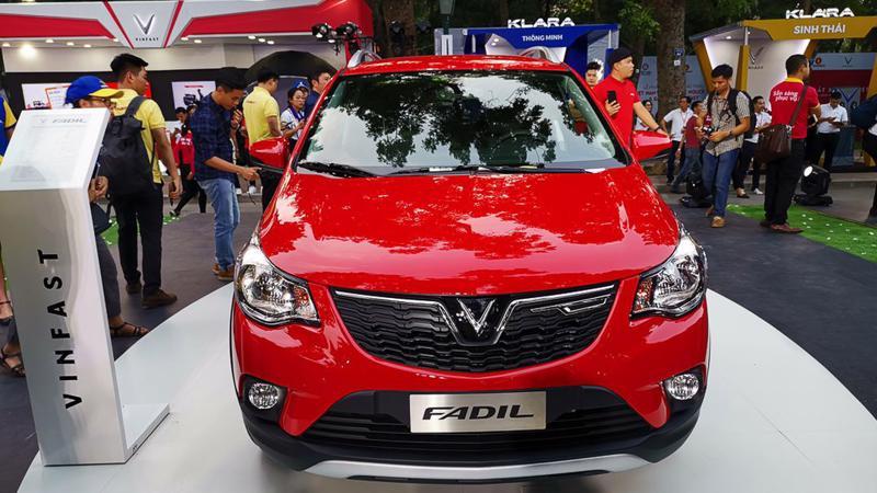 """VinFast Fadil đã có lần đầu tiên """"lên đỉnh"""" xe đắt khách nhất thị trường."""