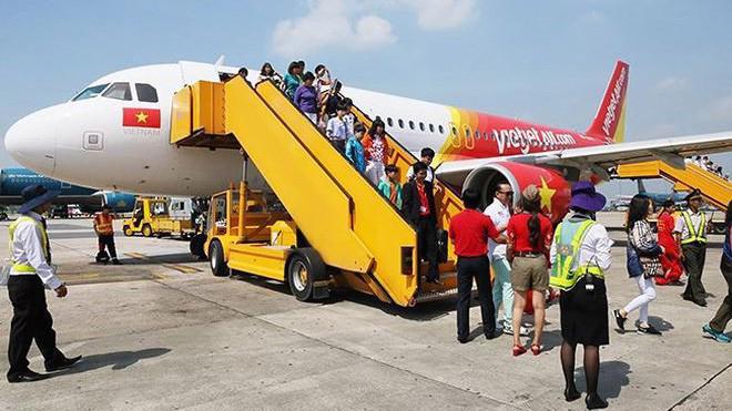 VietJet Air xin phép Cục Hàng không cho hãng này được triển khai tự phục vụ mặt đất tại Cảng hàng không quốc tế Nội Bài và Cam Ranh.