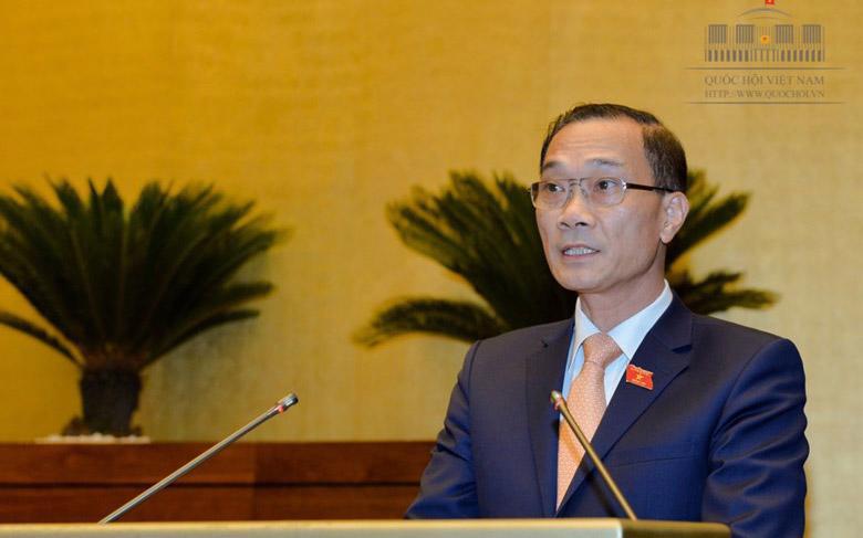 Chủ nhiệm Uỷ ban Kinh tế Vũ Hồng Thanh trình bày báo cáo tiếp thu, giải trình.