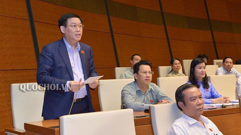 Phó thủ tướng Vương Đình Huệ giải trình một số vấn đề đại biểu quan tâm.