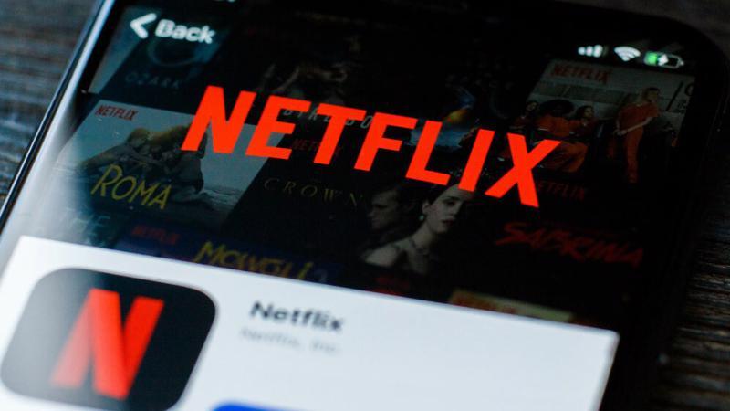 """Nhiều ý kiến cho rằng Netflix cùng nhiều nền tảng truyền hình xuyên biên giới đang hoạt động """"không thuế, không luật pháp"""" tại Việt Nam - Ảnh: Shutterstock"""