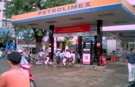 Mục tiêu đến năm 2015, doanh thu của Petrolimex đạt 358.752 tỷ đồng; kim ngạch nhập khẩu đạt 7.240 triệu USD, kim ngạch xuất khẩu (tái xuất) 1.050 triệu USD.