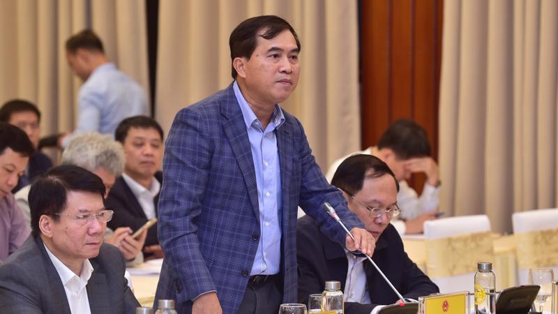 Thứ trưởng Bộ Xây dựng Lê Quang Hùng cho hay, giá nhà hoàn toàn do thị trường quyết định, nhưng giải pháp vẫn là tăng cung.