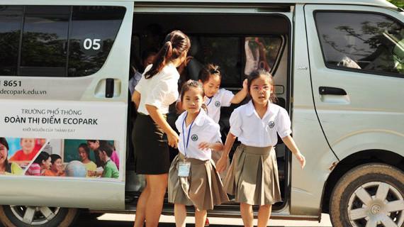 Dịch vụ xe đưa đón học sinh ngày càng được nhiều cơ sở giáo dục sử dụng. Ảnh minh họa.