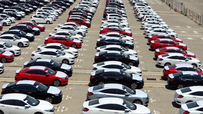 Tiêu thụ ôtô của Việt Nam tăng trong tháng cận Tết.