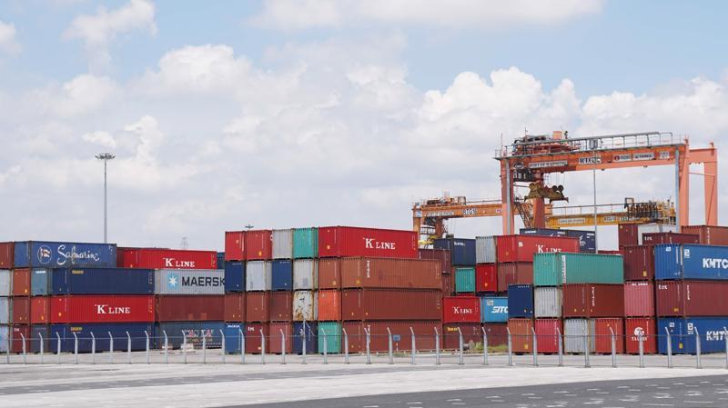 Tỷ trọng nhập khẩu hàng hóa của hơn 10.000 doanh nghiệp FDI chiếm gần 60% tổng trị giá nhập khẩu của Việt Nam năm 2018. Ảnh: Quang Phúc