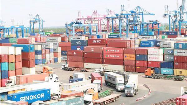 VCCI cũng đề xuất loại bỏ nghĩa vụ kê khai nộp thuế xuất khẩu cho phần nguyên liệu đầu vào khi xuất khẩu hàng hoá đã qua gia công chế biến.