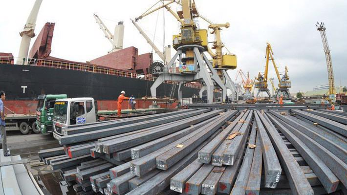 Có 26 mặt hàng xuất khẩu trên 1 tỷ USD nhưng cũng có đến 32 ngành hàng nhập khẩu trên 1 tỷ USD.