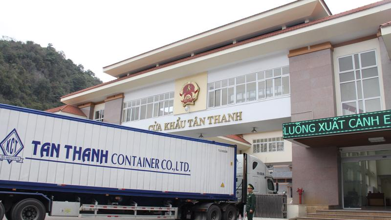 Các cửa khẩu kiểm soát chặt xuất khẩu lợn