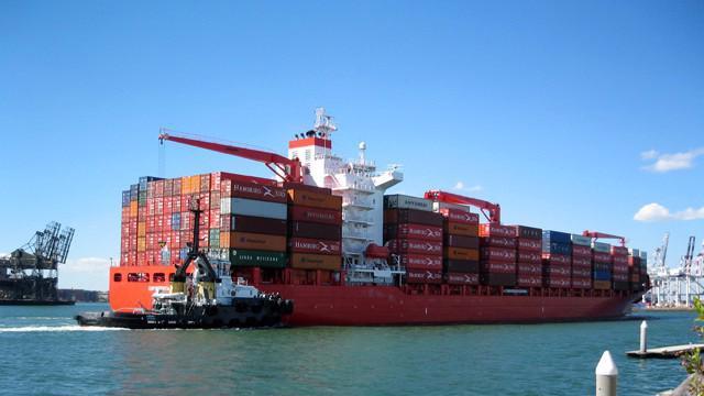 Lũy kế hết ngày 15/4/2018, khối doanh nghiệp FDI đạt kim ngạch xuất nhập khẩu 82,42 tỷ USD, tăng 17,7%, tương ứng tăng 12,37 tỷ USD so với cùng kỳ năm 2017.