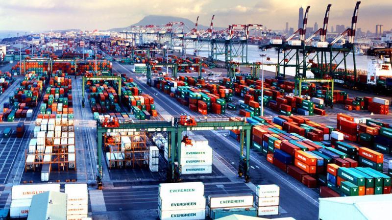 Riêng tháng 10/2018, Việt Nam ước tính xuất siêu 100 triệu USD.