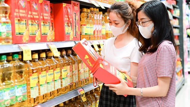 Người tiêu dùng luôn tin tưởng và ưu tiên lựa chọn các sản phẩm của Tường An để chăm sóc cho bữa ăn của gia đình mình.