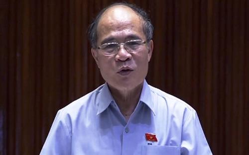 """Nhắc lại nhận xét của Bộ trưởng Bộ Tư pháp Hà Hùng Cường, rằng """"pháp  luật Việt Nam phức tạp nhất thế giới"""", Chủ tịch Quốc hội Nguyễn Sinh  Hùng đề nghị các vị đại biểu dày công để Luật Đầu tư (sửa đổi) mang tinh  thần cải cách thực sự."""
