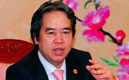 """Thống đốc Ngân hàng Nhà nước Nguyễn Văn Bình: """"Có những người bị đụng chạm trong quá trình Ngân hàng Nhà nước thực hiện tái cấu trúc còn dám bắn tin đến tôi rằng: """"Tôi sẽ xử lý ông trước khi ông xử lý tôi"""". <br>"""
