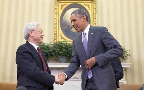 Tổng bí thư Nguyễn Phú Trọng và Tổng thống Mỹ Barack Obama sau cuộc hội đàm tại Nhà Trắng, hôm 7/7 vừa qua - Ảnh: AP. <br>
