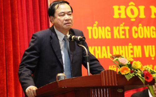Nguyên Thứ trưởng Bộ Giao thông Vận tải Lê Mạnh Hùng (ảnh) cũng phải báo cáo, giải trình vì được cho là có liên quan đến nghi án hối lộ.<br>