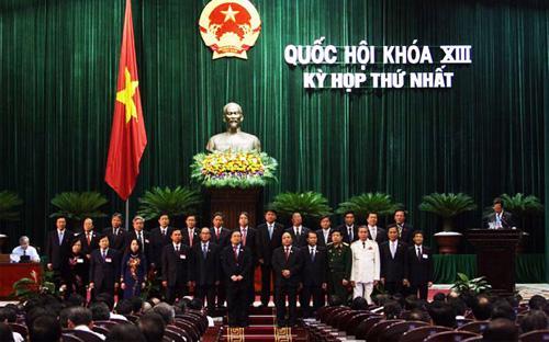Chính phủ nhiệm kỳ 2011 - 2016 ra mắt trước Quốc hội, tháng 8/2011.<br>