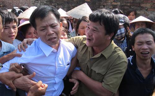 Vụ 10 năm tù oan của ông Nguyễn Thanh Chấn là câu chuyện được công luận đặc biệt chú ý trong thời gian gần đây - Ảnh: Xuân Long.<br>