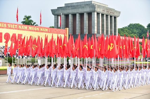Diễu binh - diễu hành kỷ niệm 70 năm Cách mạng Tháng Tám và Quốc khánh 2/9 tại Quảng trường Ba Đình (Hà Nội) sáng 2/9/2015.