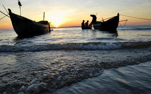 Tiềm năng kinh tế biển của Việt Nam là cực lớn nhưng vẫn chưa được khai thác đúng mức, và làm kinh tế biển thật tốt chính là cách dễ nhất để giữ chủ quyền biền đảo và giúp ngư dân.