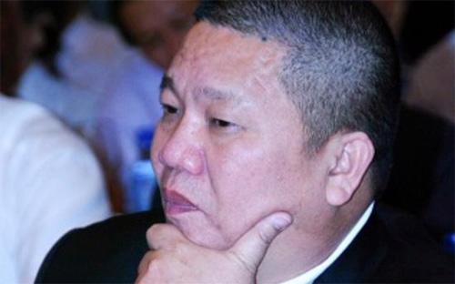 Chủ tịch Tập đoàn Hoa Sen Lê Phước Vũ, người khởi nghiệp với hai chỉ  vàng, đến cuối năm 2013 đã lọt vào danh sách 10 người giàu nhất sàn  chứng khoán. Gần đây, Hoa Sen đã và đang mở rộng đầu tư, kinh doanh ở  khu vực miền Trung với nhiều dự định mới.