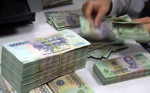 Theo Ngân hàng Nhà nước, nợ xấu từ 17,21% tại tháng  9/2012 giảm xuống còn 4,83% cuối 2014, tương đương với khoảng 214.900  tỷ đồng.