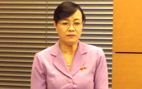 """Đại biểu Nguyễn Thị Quyết Tâm cho rằng """"đại biểu được bầu theo cơ cấu thì làm sao mà nói được"""", vì còn bị ràng buộc bởi các mối quan hệ, bởi nơi làm việc, gia đình, con cái…"""
