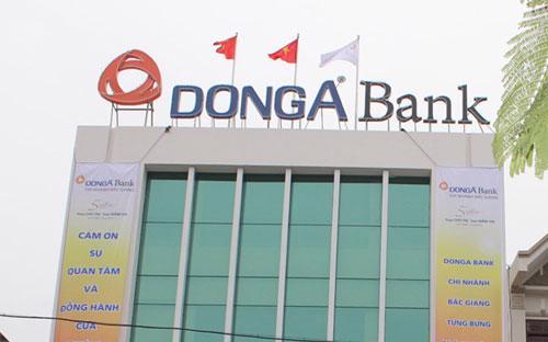 Xét thấy tình hình DongA Bank có tiến triển tích cực, Ngân hàng Nhà nước  xem xét áp dụng một số biện pháp kiểm soát các giao dịch linh hoạt hơn  để hạn chế tác động tiêu cực và tạo điều kiện thuận lợi hơn cho hoạt  động kinh doanh của DongA Bank và khách hàng.