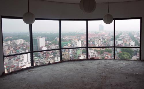 Ủy ban Thường vụ Quốc hội nhất trí là cần mở rộng điều kiện thoáng hơn  quy định hiện hành, nhưng phải tổng kết việc thí điểm cho tổ chức, cá  nhân nước ngoài mua và sở hữu nhà ở tại Việt Nam, trên cơ sở đó đưa vào  dự thảo luật các điều kiện cụ thể.