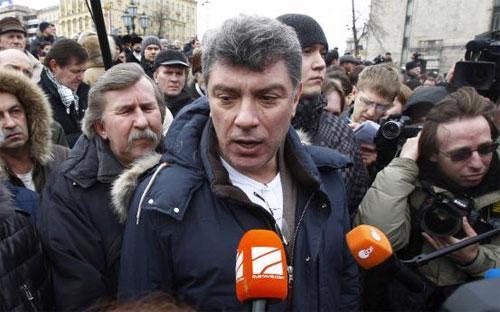 Chính trị gia đối lập, cựu Phó thủ tướng Nga Boris Nemtsov trong một lần xuất hiện vào năm 2012 - Ảnh: Reuters.<br>