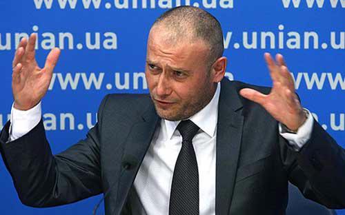 """Lãnh đạo nhóm cựu đoan Cánh hữu Dmitry Yarosh, đã mô tả dự luật trao quy chế đặc biệt cho miền đông Ukraine là """"chống dân tộc"""" - Ảnh: Lainfo.<br>"""