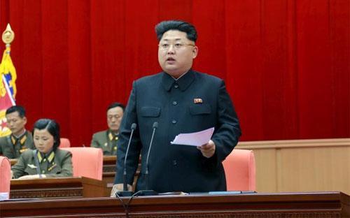 Nhà lãnh đạo Triều Tiên Kim Jong Un trong một bức ảnh được công bố hôm 26/4/2015 - Ảnh: KCNA/Reuters.<br>