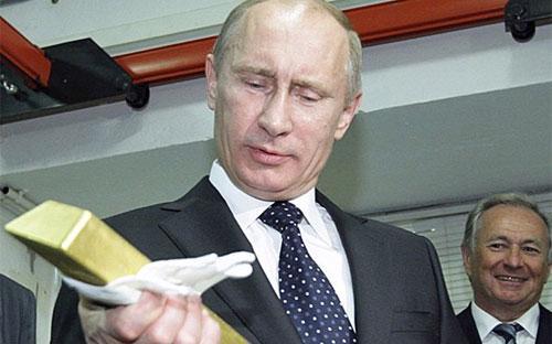 Theo ước tính của Bloomberg, từ năm 2005 tới nay, Nga đã tăng dự trữ vàng gấp 3 lần.