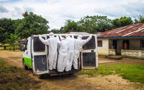 Đến nay, dịch Ebola đã khiến hơn 4.500 người thiệt mạng, chủ yếu tập trung ở ba nước Tây Phi là Guinea, Liberia và Sierra Leone - Ảnh: AP/BBC.<br>