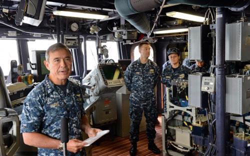 Đô đốc Harry B. Harris Jr phát biểu tại cuộc họp báo hôm 22/1 - Ảnh: AFP.