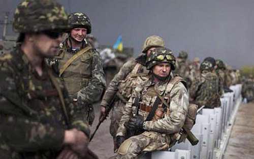 Binh sỹ Ukraine ở khu vực miền đông nước này - Ảnh: News.<br>