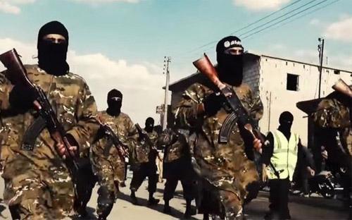 Các chiến thuật tàn bạo của IS bao gồm giết người hàng loạt, bắt và hành quyết con tin, đã buộc thế giới phải can thiệp.