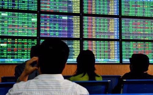 Tổ chức, cá nhân được tự do đầu tư vào các chứng khoán phái sinh trên  thị trường chứng khoán phái sinh, trừ một số trường hợp đầu tư có điều  kiện.