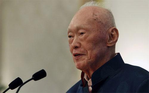 Cố Thủ tướng Singapore Lý Quang Diệu trong một lần xuất hiện vào tháng 8/2013 - Ảnh: Reuters.<br>
