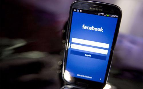 Tính đến tháng 12 năm ngoái, Facebook có 1,23 tỷ người sử dụng, tăng 16%  so với cùng kỳ năm 2012, trong đó có 945 người sử dụng truy cập  Facebook từ điện thoại di động - Anhr: Bloomberg.<br>
