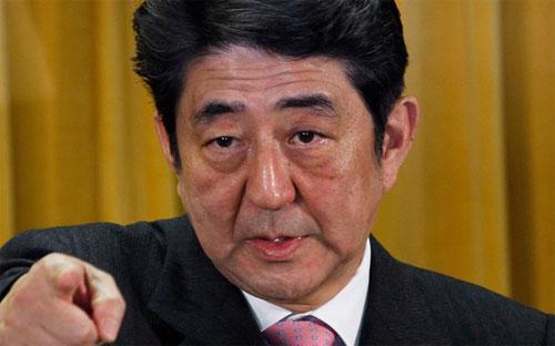 Thủ tướng Nhật Bản Shinzo Abe, người muốn tái sinh tăng trưởng kinh tế Nhật bằng chính sách Abenomics - Ảnh: NYT.<br>