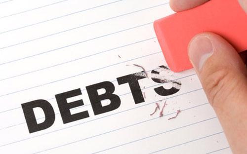 Lãi suất tăng sẽ khiến người vay tiền phải trả nhiều lãi hơn, đồng nghĩa với gánh nặng nợ nần lớn hơn.