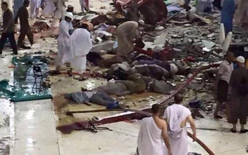 Hiện trường vụ sập cần cẩu ở Mecca ngày 11/9 - Ảnh: AP.<br>