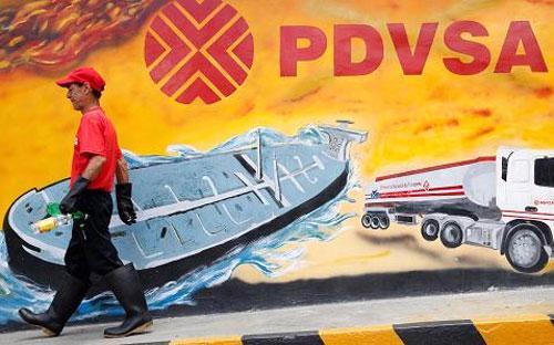 Năm 2014, nền kinh tế Venezuela suy giảm 4% trong khi lạm phát ở ngưỡng trung bình 62% - Ảnh: Reuters.<br>