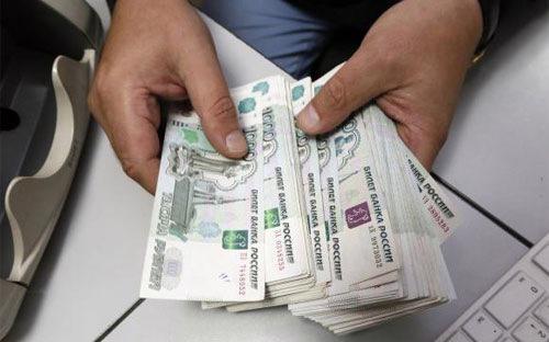 Giới phân tích cho rằng, sự suy yếu của đồng Rúp sẽ khiến sức mua của  người tiêu dùng Nga sa sút, khiến suy thoái kinh tế Nga thêm trầm trọng.