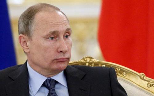 Tổng thống Nga Vladimir Putin trong một cuộc họp ở điện Kremlin ngày 23/6/2015 - Ảnh: Reuters.<br>
