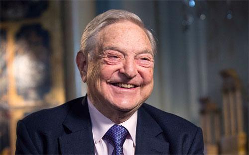 Tỷ phú đầu cơ George Soros, người bị cho là tham gia cuộc tấn công tiền tệ nhằm vào đồng Ringgit của Malaysia vào năm 1998 - Ảnh: Bloomberg.<br>