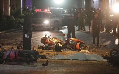 Một phần hiện trường vụ nổ ở Bangkok, Thái Lan ngày 17/8 - Ảnh: AP.<br>