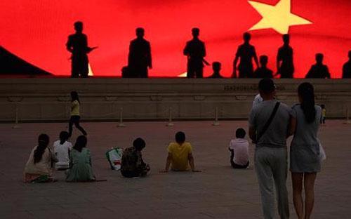 Năm nay, Chính phủ Trung Quốc đặt mục tiêu tăng trưởng kinh tế cả năm ở mức 7% - Ảnh: Getty/CNBC.<br>