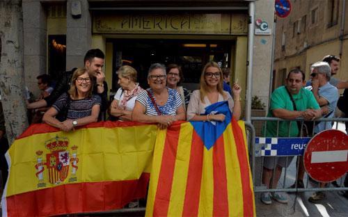Phong trào ly khai ở Catalonia đang thu hút sự chú ý của dư luận thế giới - Ảnh: Reuters.<br>